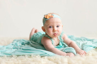 4-month-baby-girl-Maple-Valley-Newborn-baby-Photographer-Seattle-Newborn-baby-Photographer-1-1024x683(pp_w970_h646)